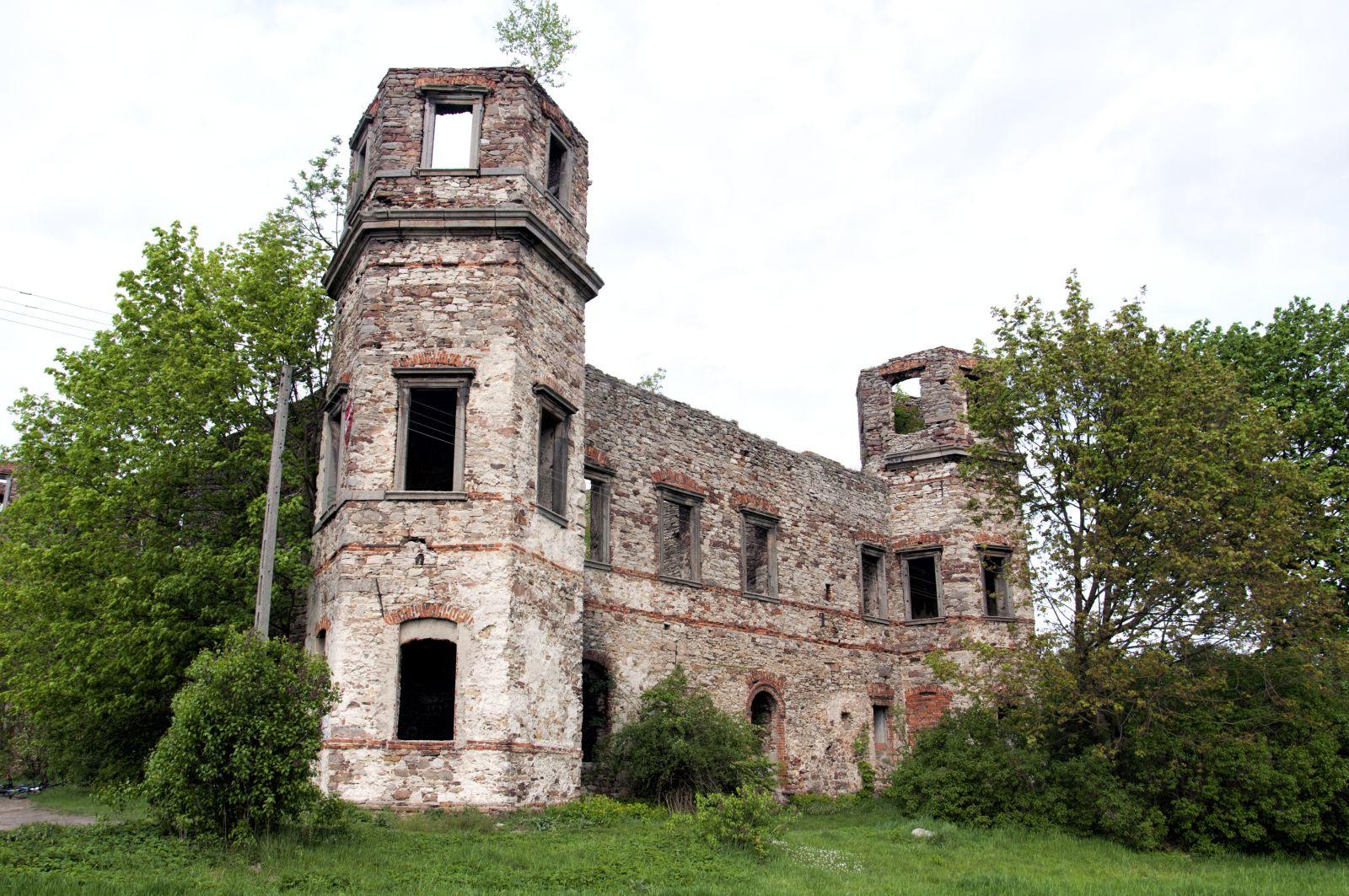 Podzamcze Piekoszowskie - Pałac Tarłów