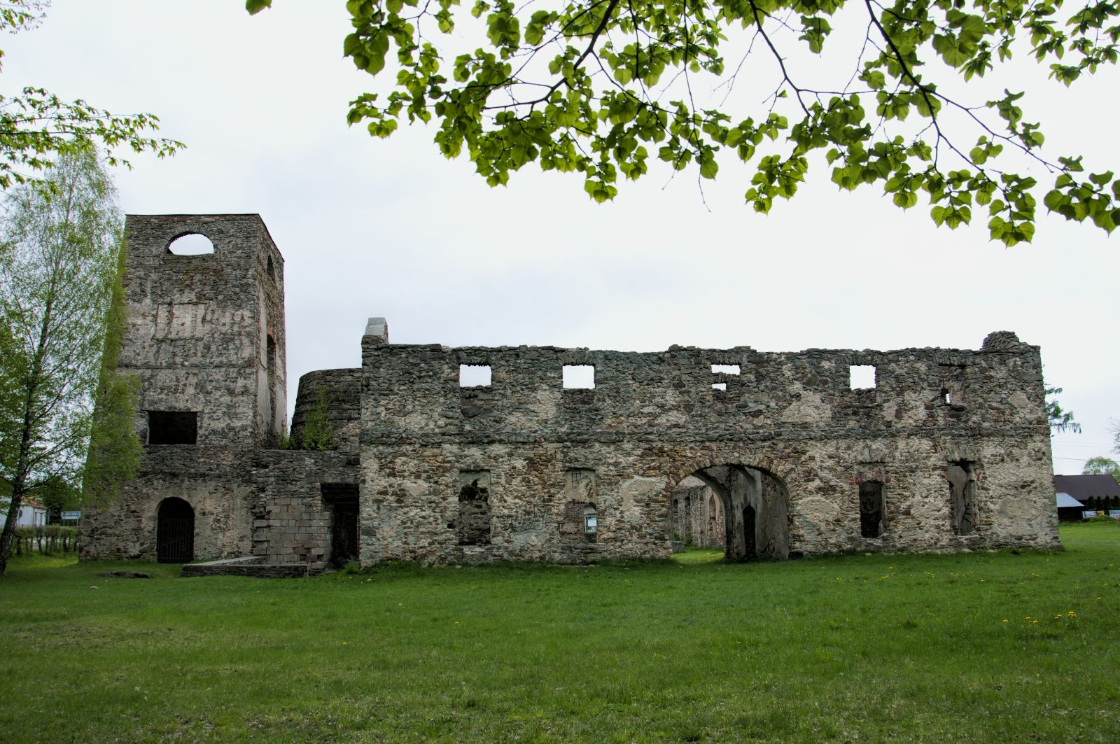 Samsonów - ruiny Huty