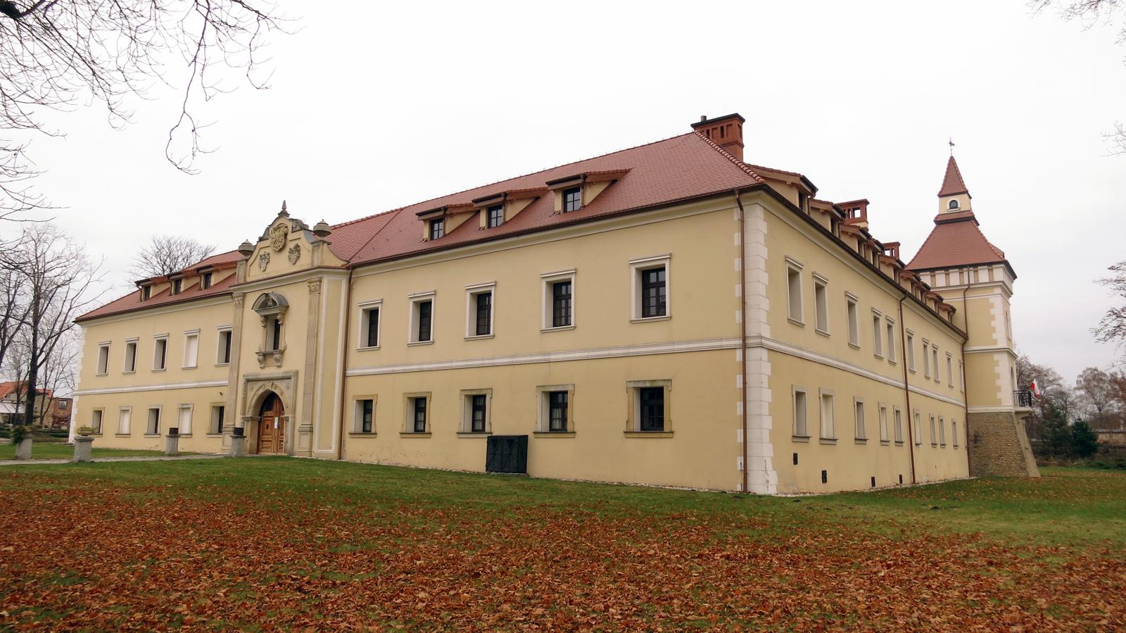 Tarnowice Stare - kompleks zamkowy z XVI wieku