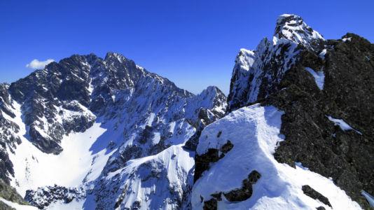 Gerlach w zimowej scenerii spod Żłobistego