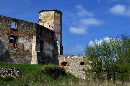 Siewierz - ruiny zamku biskupiego z XIV wieku